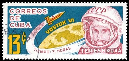 tereshkova: CUBA-CIRCA 1963: un timbro stampato da Cuba mostra la prima donna - cosmonauta Valentino Tereshkovu, circa 1963 URSS
