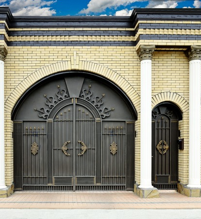 large doors: Large decorative gates and doors for homes and condos