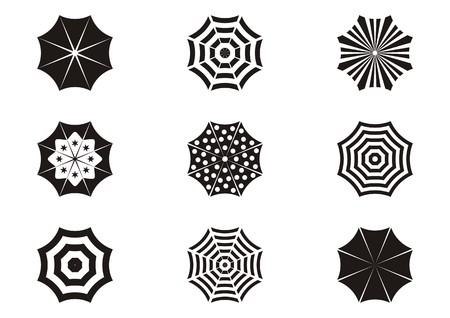 sonnenschirm: Satz von verschiedenen schwarzen Sonnenschirm Icons isoliert