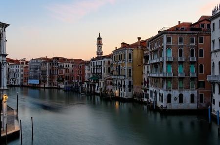 Soleil levant sur le Grand Canal � Venise, Italie