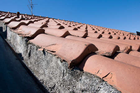 superintendence: Detail of roof constructione with mortar and shingle