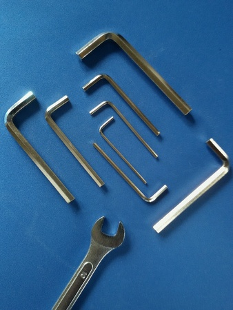 View of isolated hex keys and span in geometric disposition Imagens