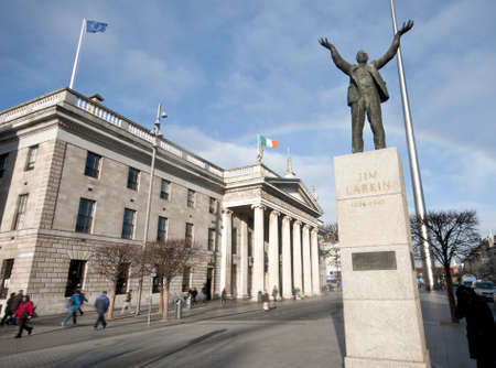 dublin: Statue of Jim Larkin, a Trade Union leader , in front of Dublin General Post Office on O Editorial