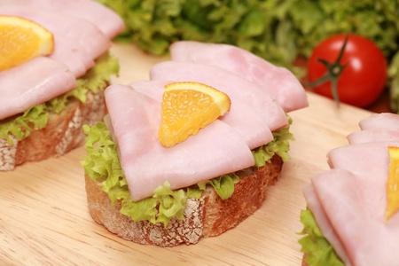 fingerfood: Fingerfood topped with ham and orange
