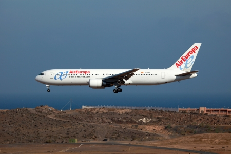 europa: Las Palmas, Spain - October 6, 2011  An Air Europa Boeing 767-300 with the registration EC-HSV approaches Las Palmas Airport  LPA  in Spain  Air Europa is a Spanish airline based in Palma de Mallorca  It was founded in 1986 and operates with 40 aircraft