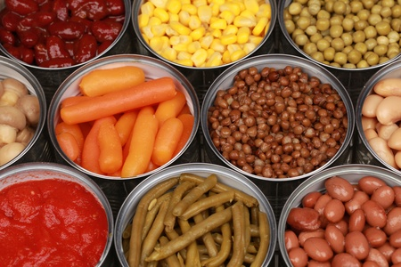canned peas: Vegetables such as carrots, lentils, corn, peas and tomatoes in cans