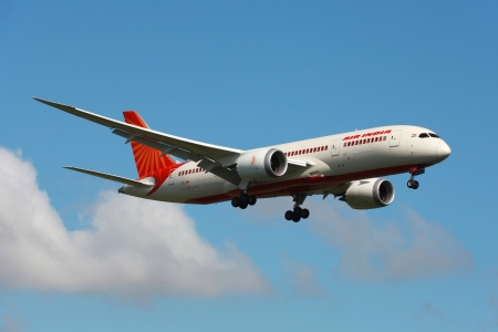 plane landing: London Heathrow, United Kingdom - May 25, 2013: An Air India Boeing 787 Dreamliner with the registration VT-ANK on approach to London Heathrow Airport (LHR) in the United Kingdom. The Boeing 787 Dreamliner is the worlds first major airliner to use compos Editorial