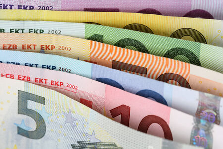european union currency: Todos los billetes de euro de la moneda de la Uni�n Europea, uno tras otro
