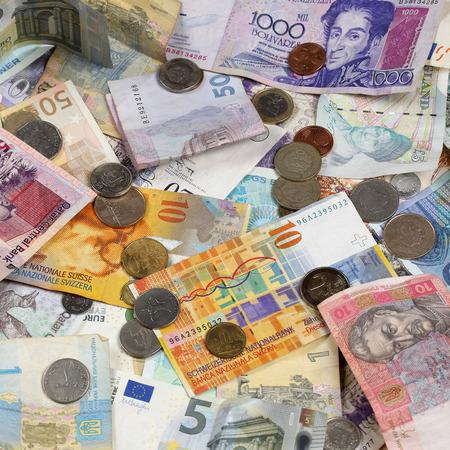 frank szwajcarski: Banknoty i monety, takich jak euro, dolar, frank, funt i szwajcarskiej, darowizny Rubel Zdjęcie Seryjne