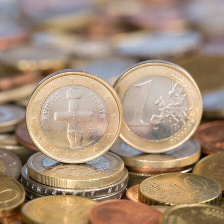 european union currency: Una moneda de un euro de la moneda de los pa�ses miembros de la Uni�n Europea Chipre Foto de archivo