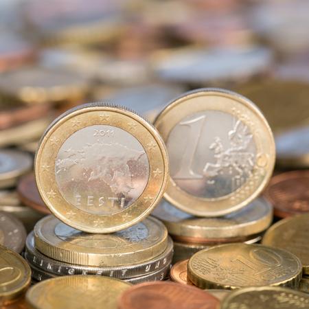 european union currency: Una moneda de un euro de la moneda de los pa�ses miembros de la Uni�n Europea Estonia Foto de archivo