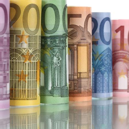 european union currency: Laminados billetes de euro de la moneda de la Uni�n Europea en una fila