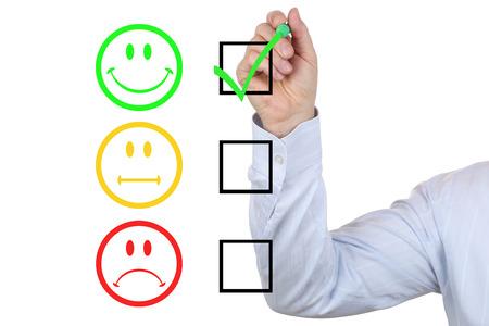 Succesvolle zakenman het kiezen van een goede kwaliteit van dienstverlening