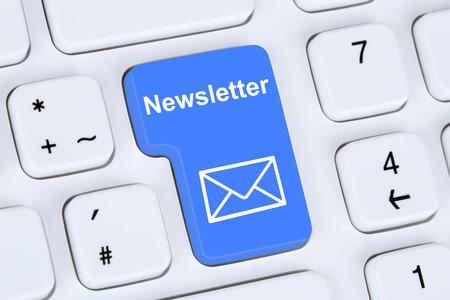 Nieuwsbrief versturen van op het internet voor zakelijke marketing campagne met de letter symbool