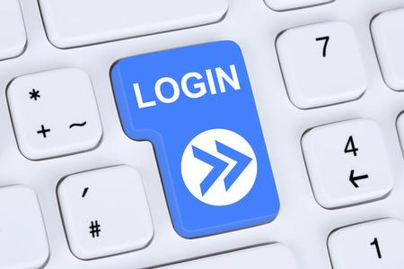 Inloggen submit knop met een wachtwoord op de computer Stockfoto
