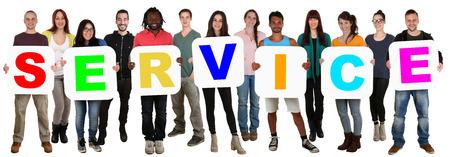 diversidad cultural: Sonriendo grupo de jóvenes de varios pueblos étnicos que llevan a cabo el servicio palabra aislada en blanco