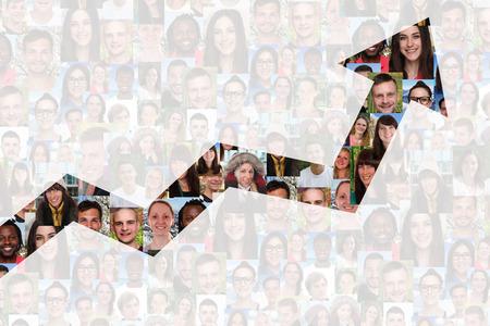 Erfolg: Erfolg oder erfolgreiche Wachstumsstrategie im Geschäft mit Gruppe von Menschen, Hintergrund