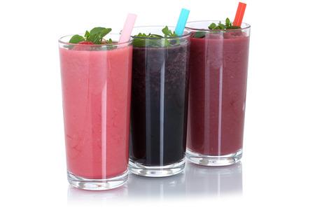 jugo de frutas: Batido de frutas batido de jugo con frutas aisladas sobre un fondo blanco Foto de archivo
