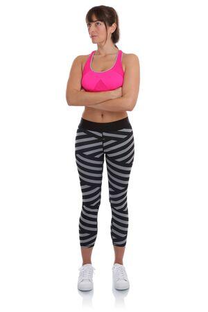 mujer pensando: Entrenamiento de la mujer de la aptitud en entrenamiento deportivo mirando hacia arriba Retrato de cuerpo completo aislado en un fondo blanco