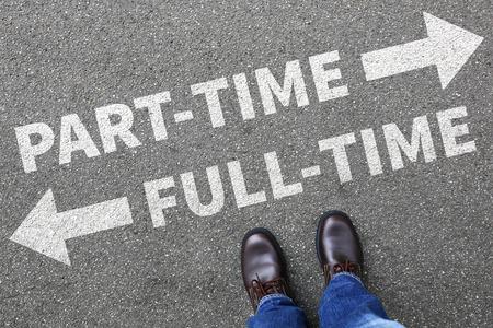 A tiempo parcial y el concepto de hombre de negocios hombre de negocios trabajando trabajo a tiempo completo