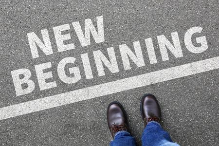 Neuanfang Anfänge alten Leben Zukunft Vergangenheit Ziele Erfolg Entscheidung Änderung entscheiden Standard-Bild