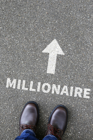 hombre millonario: Concepto de negocio millonario �xito abundancia rica �xito en la direcci�n finanzas exitosas