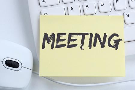 Bijeenkomst benoeming kantoor toetsenbord van de computer business team