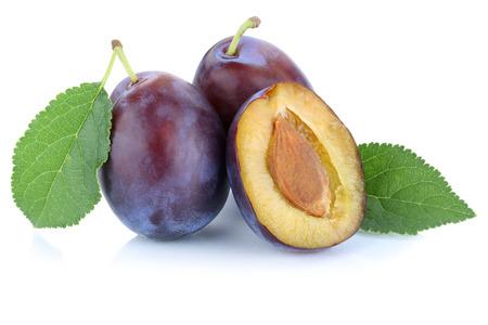 Pflaumen Pflaumen Pflaumen Pflaume frische Früchte Obst auf einem weißen Hintergrund Standard-Bild