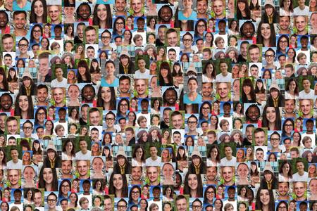 미소의 젊은 사람들이 배경 콜라주 큰 그룹은 소셜 미디어에 직면
