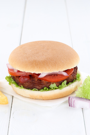 copyspace: Hamburger copyspace copy space beef tomatoes lettuce unhealthy Stock Photo