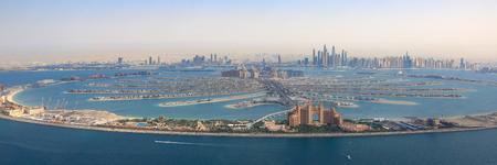 ドバイのパーム ・ ジュメイラ島アトランティス ホテル パノラマ マリーナ パノラマ空撮写真アラブ首長国連邦