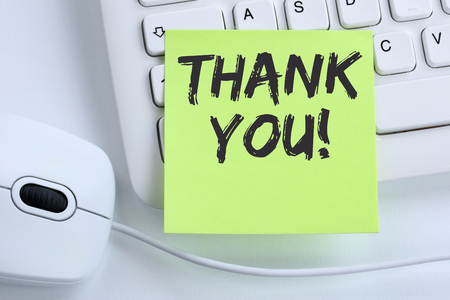 Thank you on notepaper office business concept mouse computer keyboard Reklamní fotografie