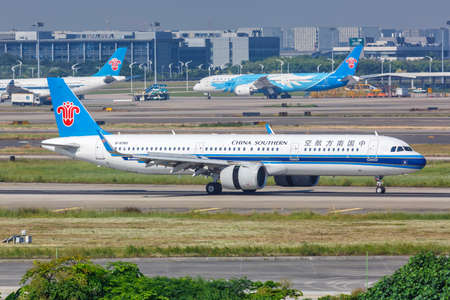 Guangzhou, China - September 24, 2019: China Southern Airlines Airbus A321neo airplane at Guangzhou Baiyun Airport (CAN) in China. 新闻类图片
