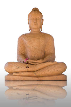 aukana buddha: Buddha statue isolated on white