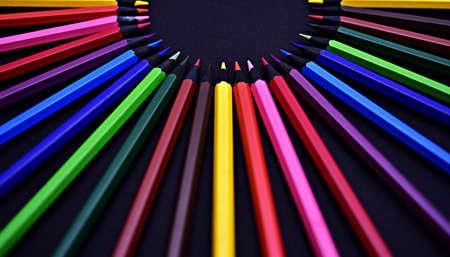 grafit: Zestaw Realistyczne Kolorowe O? Ówki Kolorowe na czarnym tle