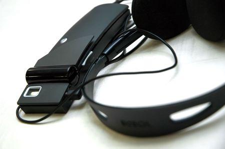 Wireless headphone set for translatoion.