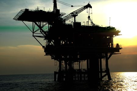 construction platform: offshore oil drilling construction