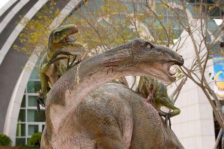 sauropod: Batalla dinosaurio Foto de archivo