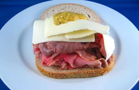 Open Face Roast Beef sandwich Reklamní fotografie