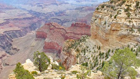 The rock formation called 'The Battleship' at Mohave Point in Grand Canyon National Park, Arizona, USA. 免版税图像