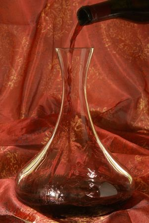 decanter: wine decanter