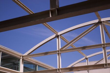 metal structure: Open Air steel girder roof over University building at UC Davis Stock Photo