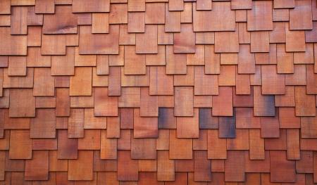 赤い手ふれヒマラヤ スギまたはレッドウッド屋根の新しいセクション 写真素材