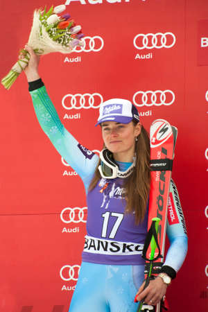 fis: Bansko, Bulgaria - 2 MARZO 2015: Tina Maze (SLO) passa in secondo piano durante l'Audi FIS di sci alpino Coppa del Mondo Ladies 'Super G il 2 marzo 2015 a Bansko, Bulgaria