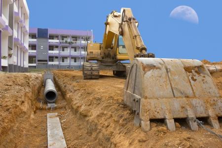 abwasser: Graben entw�ssert, um �berschwemmungen zu verhindern Editorial