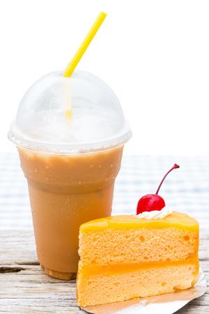 orange cake: Iced coffee and orange cake