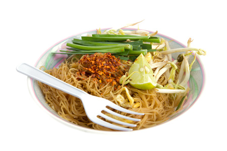 mee pok: Fried noodles