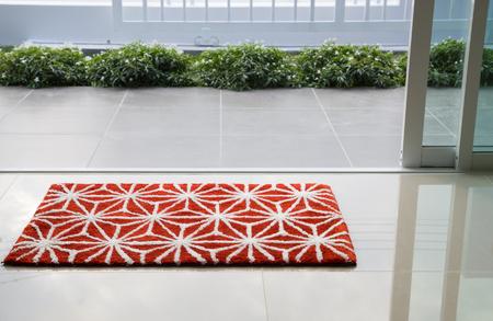 welcome mat: Red doormat