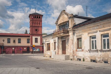 Main square and historic buildings in Sulejow, Lodzkie, Poland Archivio Fotografico