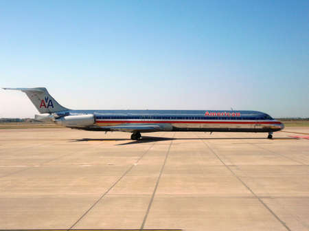 american airlines: American Airlines Boeing 737 ready for take-off Editorial